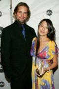 Джош Холлуэй с супругой Йессикой