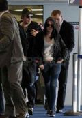Роберт и Кристен в аэропорту